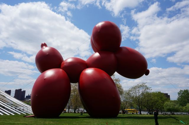 Paul McCarthy's Balloon Puppy at Frieze