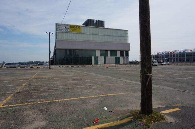 I find the ICA in a huge deserted parking lot