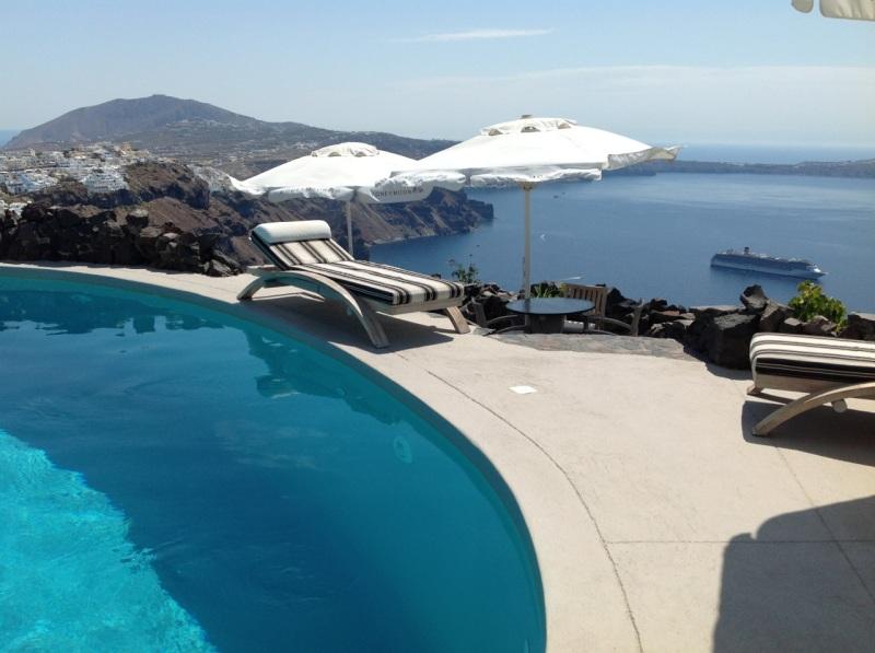 Hotel Pool 4